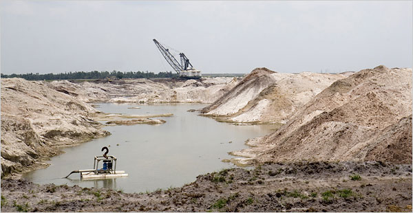Florida Counties Try to Contain Phosphate Mines