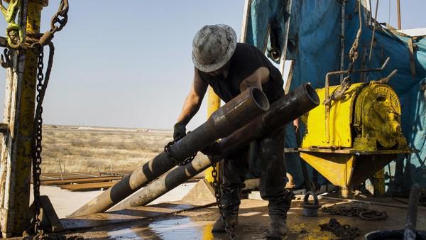 Saudi Arabia Looks to China as U.S. Imports Fall