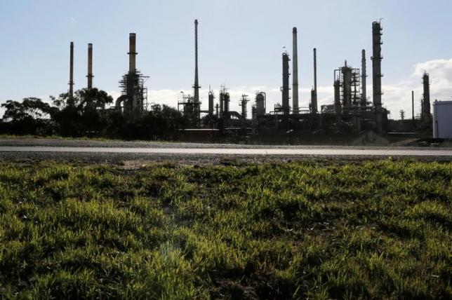 South African Refineries Operational Despite the Indefinite Strike
