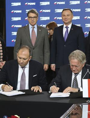 Diversifying Away from Russia: Poland Trailblazing US LNG Deals