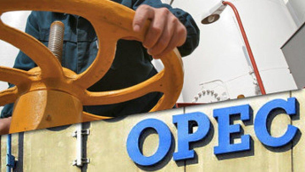 Market Update: Saudis Mull Extending Oil Production Cut