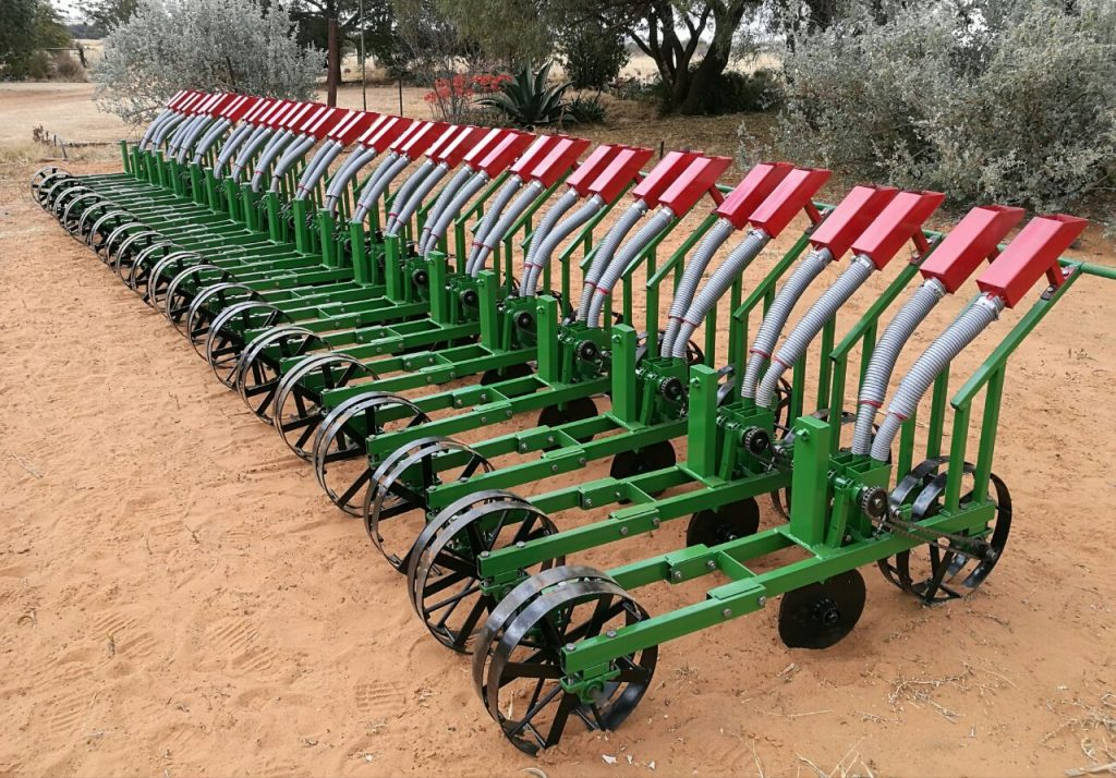 Greening Africa: Backsaver Farming Equipment Is Helping Small-Scale Farmers More Accurately Apply Fertiliser